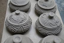 Ceramics: Lids, Jars w/ Lids / by Marjorie Olesen