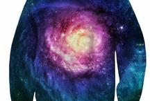 LoveitShop Sexy-Sweaters / Loveit sklep z modną odzieżą. Bluzy galaxy, legginsy. Polska produkcja, najwyższa jakość. Dostawa 48h. Sprawdź sam!