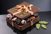 Chocolate & Boxes to Eat / Makes a great gift for a rehearsal dinner, bridal shower or wedding day favors. #шоколад #チョコレート