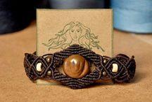 Macrame / Macrame, pulsera con flor de bronce