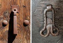 Llamadores de Aínsa / http://www.viajealpirineo.com/llamadores-falicos-ainsa/