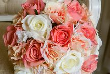 Coral, ivory, and peach bouquets