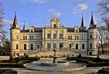 Tarce - Pałac / Pałac w Tarcach wzniesiony w 1871 r. przez Stanisława Hebanowskiego dla rodziny Ostrorogów-Gorzeńskich. Obecnie funkcjonuje jako hotel.  Palace in Tarce erected in 1871 by Stanisław Hebanowski for the family Ostrorogów-Gorzeński. At present it is functioning as the hotel.