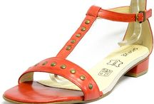 Sandalette grande taille femme / Un large choix de sandalette et entre-doigts pour femme. Idéales pour l'été. Existe du 42 au 48