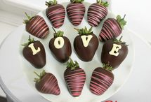 Edible Treats / Purchase delicious edible treats from Let Life Bloom. We offer nationwide delivery.