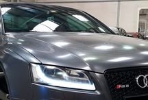 Audi Services Dubai / Together with our Audi service packages and repair we are also extending all other ARMotors Premium Services to each and every Audi owner. Come and bring your Audi to us. You will be more than happy with the quality of our repair, our speedy process and our competitive pricing.