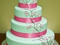 Wedding/fancy cake / by Phonevimonh Luangsouphom