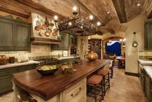 Kitchens / by Laura Shzam