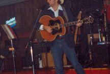 Robert Jake / Singer/Songwriter/Entertainer/Producer/Sound Enginner