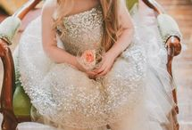 Photography - Wedding / Couples / Wedding, Couples, engagement, etc. Ideas and props / by Melissa Sweet-Leavins