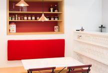 Carreaux de ciment - cuisines / Des carreaux de ciment posés au sol ou en crédence réveilleront la plus sobre des cuisines.