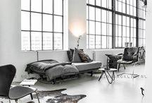 blAck&white spaces