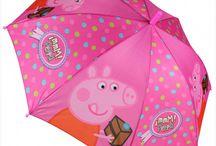 Παιδικά είδη Disney / Παιδικά χειμερινά είδη με τους αγαπημένους μας ήρωες της Disney!  Δείτε αδιάβροχα, ομπρέλες, σετ σκουφιά κι άλλα απαραίτητα είδη με ήρωες όπως η Dora, η Peppa, η Minnie, τα Minions και λοιπά!