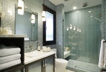 Farmhouse Bathroom / Ideas for remodeling and styling ideas for a farmhouse bathroom