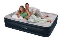 Matelas gonflable / Retrouvez ici les différents modèles de matelas gonflables et lits gonflables pour le camping ou en lit d'appoint ! Retrouvez ces modèles sur www.raviday-matelas.com.