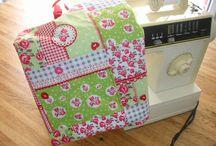 Tassen en tasjes / Tassen en tasjes en boodschappentassen, Handgemaakt deze tassen zijn uniek. Het materiaal is van stof en of tafelzeil.