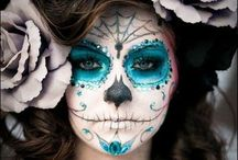 Halloween/Fall Decor / by Kelli Berry