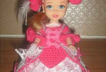 Central dolls in historic costumes / crochet