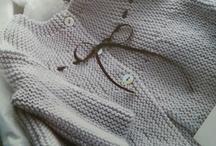 casaquinho cinza com fita