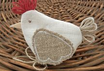 Bueatiful birds to make / There are some wonderful ideas for creating birds either out of fabric or paper
