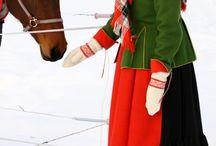 Nordiska folkdräkter