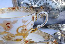 Louças / Aparelhos de chá, chaleiras  e outras loucinhas