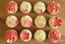 Cupcakes & things!  / by Fruzsina McGinness