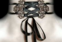around neck / Collars, chokers, jewels