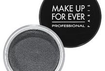 Makeup for photography and tv / Gorgeous and long lasting products that won't hurt your skin!