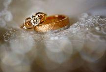 Mon et Mine: jewelry / Jewelry, photographed by Mon et Mine Bruidsfotografie. Prachtige trouwjuwelen, trouwringen etcetera.