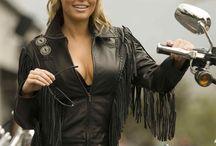 Vêtements cuir / vêtements et accessoires en cuir vendu sur notre siteweb #westernshop #shoponline #western