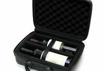 Malas para Vinhos e Taças / Painel para quem gosta de viajar com um bom acompanhante, essas malas são maravilhosas e de material de alta resistência. Ótimas!  http://www.winebrasil.com.br/acessorios/malas