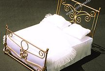Dollhouse beds / These dollhouse miniature beds were drawn and manufactured by Mari Speridião