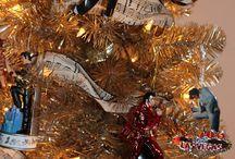 Holiday Decor: Elvis Presley Version