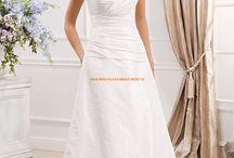 Brautkleider/-sträuße