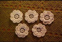 kwiatki na szydełku