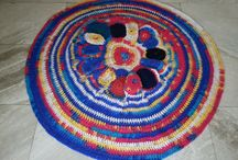 Round rug crochet / The super popular Round Rug! It's so basic and endlessly customizable - perfect for any room and any style! This is a fast and fun way to update your decor instantly! It s available at any size(cm,in) you prefer,(different prices), at any color and at any combination of colors.!   Measures approx. 33 inches or 83 cm in diameter  *** Free Shipping ***   For any question please contact with me, my e-mail : elvi.merk [!at] gmail.com