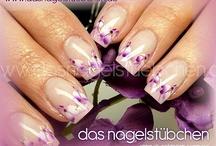 airbrush nail art