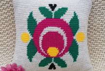 Crochet Cushion Patterns / Crochet Patterns with row-by-row instructions and photos.