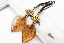 Kirschrot - Schmuckdesign / Kirschrot-Schmuckdesign ist ein kleines Label mit ausgefallenen, handgemachten Schmuckstücken im romantischen Vintagestil. Besuche mich auf:   de.dawanda.com/shop/kirschrot www.facebook.com/kirschrotdesign