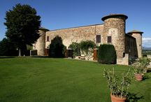 Castle & Villas for Event in Tuscany / A marriage in Tuscany is the best way to celebrate your wedding day! Here you can find the best Villas and Castles to organize your wedding day in one of the most charming city of Italy. If you are looking for a venue, a meeting room, a conference centre to plan your event, you are in the right place!