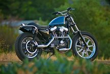 Motorcycles / by Aileen Van Bergen