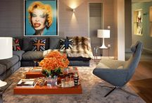 Living rooms in the style of pop art / Living in a pop art style is usually filled with drawings and photographs large, sometimes enormous size, comic books, a variety of unusual things.