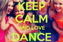 Dance moms / I love watching dance moms