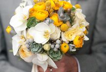 Bouquets / by Pure Luxe Bride