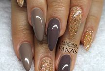 Browns golds nails