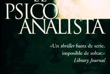 Libros / by Ricardo Aguirre