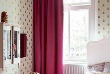 Gordijnen / Curtains / Op zoek naar raambekleding? Biggelaar is specialist in gordijnen zoals vitrage, inbetweens, overgordijnen, vouwgordijnen. Wij zijn o.a. dealer van Vadain, Eijffinger, Vescom.