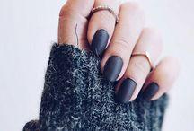 nails / by Marta Martinez Rubio