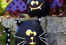 Halloween / All die gruseligen Designs & Illustrationen, die du zu Halloween brauchst, findest du hier: Monster, Geister, Zombies & Co. Lass dich für dein Kostüm inspirieren!